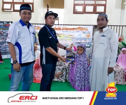 2-Komunitas-Otomotif-Ajak-TOP-1-Sukseskan-Bakti-Sosial-di-Bulan-Ramadan4.jpg